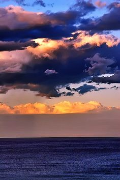 **Sunset over Manly Beach, Australia Beautiful World, Beautiful Places, Beautiful Pictures, Sydney Beaches, Dawn And Dusk, Beautiful Sunrise, Sky And Clouds, Nature Pictures, Nature Photography