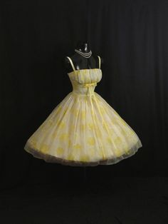 Vintage 1950's 50s Bombshell Cupcake Lemon Yellow от VintageVortex