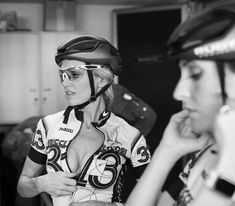 There is nothing quite so beautiful as a women with a bike. Female Cyclist, Cycling Wear, Road Bike Women, Riding Helmets, Biker, Captain Hat, Curves, Instagram, Bicycle Girl
