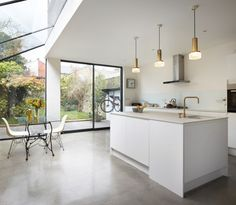 Rise Design Studio adds glass extension to London house Kitchen Diner Extension, House Design, House, Home, Glass Extension, Interior Design Kitchen, London House, Open Plan Kitchen, House Extension Design