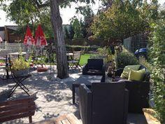 Gastgarten Outdoor Furniture Sets, Outdoor Decor, Home Decor, Rural House, Room Decor, Home Interior Design, Home Decoration, Interior Decorating, Outdoor Furniture