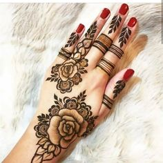Searching for stylish mehndi designs for the party that look gorgeous? Stylish Mehndi Design is the best mehndi design for any func. Mandala Tattoo Design, Henna Tattoo Designs, Henna Tattoos, Rose Mehndi Designs, Indian Henna Designs, Finger Henna Designs, Mehndi Designs For Beginners, Stylish Mehndi Designs, Dulhan Mehndi Designs