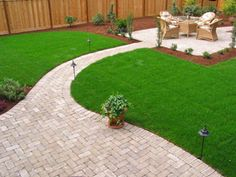 Patio paver ideas for your garden or backyard. Stone, brick, and block paver design ideas. Brick Paving, Paver Walkway, Walkways, Outdoor Patio Designs, Outdoor Decor, Diy Patio, Patio Layout, Paved Patio, Aluminum Patio