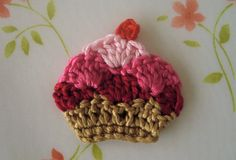 NEW-Cupcake Applique via Etsy.