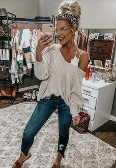 Now we look at what fashion trends made for this fall and winter. cute fall outfits to buy. Shop cute fall outfits for Women, find new cute fall outfits Cute Fall Outfits, Casual Winter Outfits, Classy Outfits, Summer Leggings Outfits, Cute Jean Outfits, Casual Church Outfits, Fall Outfit Ideas, Chic Outfits, Young Mom Outfits