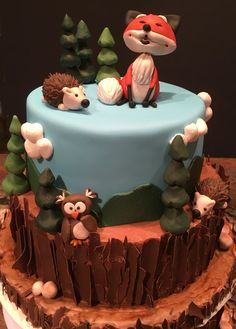 Woodland fox cake, fox cake, woodland animals cake  Design With A Friend