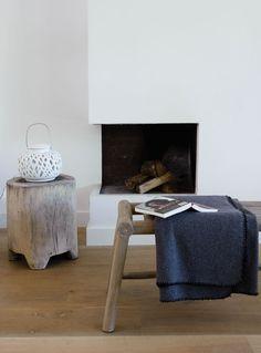 Semi-detached house in Bloemendaal Photographer: Dennis Brandsma   Stylist: Fietje Bruijn #binnenkijken #vtwonen #fireplace #white #wood #plaid