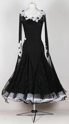 Noir parfume | EM couture