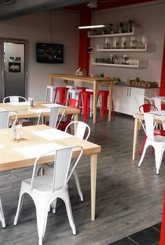 rhino cafe new look Day Work, Restaurant Bar, Corner Desk, Awesome, Interior, Furniture, Home Decor, Corner Table, Decoration Home
