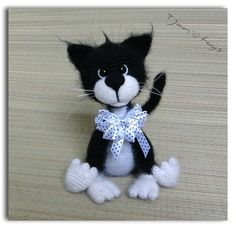 Cat black-white OOAK Stuffed Animals Crochet Handmade Soft por Tjan