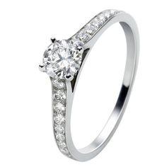 ロマンス ソリティア - Van Cleef & Arpels(ヴァン クリーフ&アーペル)の婚約指輪(エンゲージメントリング)ヴァンクリーフアーペルの婚約指輪・エンゲージリングをまとめました!