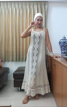 Crochet World added a new photo. Crochet Long Dresses, Crochet Dress Outfits, Crochet Blouse, Crochet Clothes, Crochet Lace, Knit Dress, Dress Skirt, Filet Crochet, Hippie Crochet