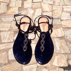 Quem também precisa muito de uma dessa?! 🙋🙋🙋 #queropramim #necessito #pratica #summer #shoes #perfect #desejo #musthave #estilo #fashion #amei #queromuito #viaflorencebh