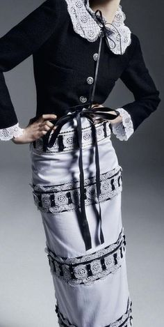 Chanel & More Details Coco Chanel, Chanel 2015, Chanel Brand, Chanel Fashion, Couture Fashion, Runway Fashion, Fashion Details, Fashion Design, Over 50 Womens Fashion
