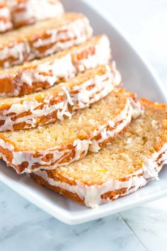 Easy orange coconut bread recipe with shredded coconut and fresh orange zest. Yogurt is also added to make it extraordinarily moist. Bread Recipes, Baking Recipes, Cake Recipes, Dessert Recipes, Muffin Recipes, Brunch Recipes, Coconut Bread Recipe, Coconut Flour, Nicaraguan Food
