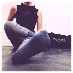 """1579884ce1c97 Mademoiselle Danse on Instagram: """"Vous aussi chaussez vos chaussettes  @repettoparis 😄🙆🏼 Confort assuré ! 👌🏻 . .…"""""""