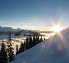 PANORAMAHOTEL OBERJOCH | ALPIN SPA | BAD HINDELANG | GERMANY | 4*S | Das Oberjoch: Nicht ohne Grund als einer der Edelsteine der Alpen bezeichnet. Mit 1.200 m ist es das höchste Bergdorf Deutschlands.Sonnenaufgang über den verschneiten Allgäuer Bergen.