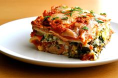 Low FODMAP Recipe and Gluten Free Recipe - Roasted vegetable lasagne Fodmap Recipes, Diet Recipes, Vegetarian Recipes, Cooking Recipes, Vegetarian Lasagne, Fodmap Foods, Lasagna Recipes, Roasted Vegetable Lasagne, Vegetable Recipes