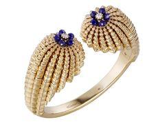 Best Diamond Bracelets : Bracelet Cactus de Cartier en or jaune lapis lazuli Cartier Bracelet, Cartier Jewelry, Diamond Bracelets, Luxury Jewelry, Gold Jewelry, Fine Jewelry, Best Diamond, Diamond Cuts, Lapis Lazuli