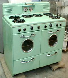 I love this restored vintage oven. The layout of the stove top is wonderful.