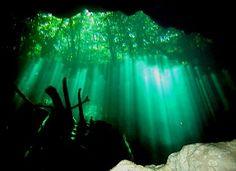 En pocos años, tuvo una notable transformación, ya que de ser una isla de pescadores rodeada de selva virgen y playas desconocidas, en la actualidad es junto con Acapulco el centro turístico mexicano más reconocido en el mundo.