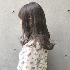ブリーチなしでも好発色可能なアッシュグレー♡ SHUN Stylists, Hair Color, Long Hair Styles, Beauty, Hairstyles, Fashion, Short Hair, Maquiagem, Haircolor