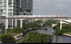 RailPictures.Net Photo: NA Miami Metrorail (MDTA) Budd Rapid Transit Car at Miami, Florida by Bob Pickering (BP)