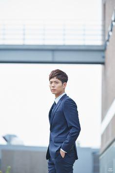 박보검 TNGT 17FW <매직 핏 수트> 비하인드 컷 170915 [ 출처 http://tngtblog.com/221096135453 ]