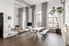 Przestronne mieszkanie z antresolą, salon z jadalnią