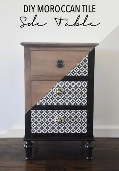 DIY-Moroccan-Tile-Side-Table the style safari Diy Furniture Projects, Upcycled Furniture, Furniture Plans, Furniture Making, Furniture Makeover, Painted Furniture, Small Furniture, Pallet Furniture, Furniture Stores