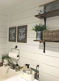 Modern Farmhouse Laundry Room Ideas (22)