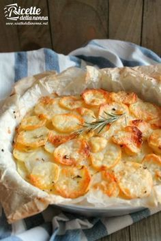 Photo potato and scamorza pie Vegetarian Cooking, Vegetarian Recipes, Cooking Recipes, Cooking Time, Calories, Antipasto, Soul Food, I Foods, Food Inspiration