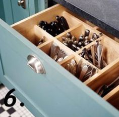 Store your utensils upright to save room, www.soapdelinews.com