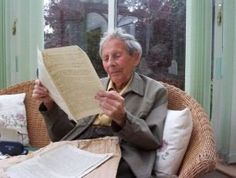 """Donald Watson, the man who invented the word """"vegan"""", was vegetarian from 1924, then 'non-dairy' from 1940 (inventing 'vegan' in November 1944). He died in 2005 at the grand age of 95. The photo shows him in later life reading his first issue of 'Vegan News' (Picture by Joe Connolly - Veg News)"""