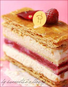 ピエールエルメ☆イスパハン フェスティバル☆. I have no idea, but this looks delicious!