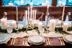 Photography : Hunter Ryan Photo Read More on SMP: http://www.stylemepretty.com/living/2016/12/09/a-cozy-candlelit-holiday-gathering/