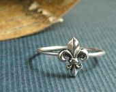 I've been looking for the perfect Fleur de lis ring forever, no where to be found