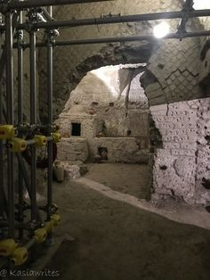 Naples underground hides many ancient secrets from the past. Discover a Roman theatre, hidden passages, ancient markets and water cisterns. Underground Tour, What Lies Beneath, Modern City, Ancient Greek, Naples, Mount Rushmore, Tours, Mountains, Travel