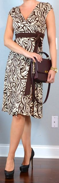 Chocolate & cream print wrap dress Black pumps Gold link watch Outfit Posts: one suitcase: mini business casual capsule wardrobe