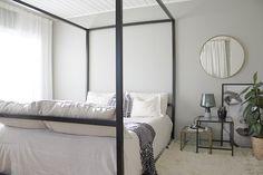 modernimpi makuuhuone + seinällä harmaan sävy, joka ei taita siniseen (Tikkurilan Pro Grey kartan sävy 1930)