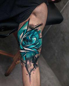 Blue Rose Tattoo on Bicep bicep tattoo rose blue Trendy Tattoos, New Tattoos, Body Art Tattoos, Tattoos For Guys, Sleeve Tattoos, Tattoos For Women, Tattoo Women, Tatoos, Male Hand Tattoos
