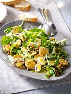 Salat mit Weißwurst und Pilzen