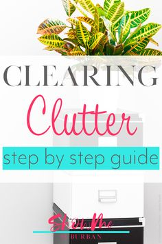 Figuring out how to organize is hard when you need to declutter. Clearing clutter is so much easier with this how-to guide that simplifies the process, and provides straightforward tips and ideas to get your house uncluttered! #declutter #organize
