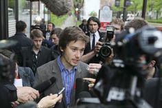 15 Mai 2012 - Les leaders étudiants plutôt satisfaits du ton des discussions     http://www.lapresse.ca/actualites/dossiers/conflit-etudiant/201205/15/01-4525579-les-leaders-etudiants-plutot-satisfaits-du-ton-des-discussions.php#