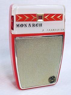 Monarch 90. A large shirtpocket set utilizing a 9 transistor circuit. Copyright Michael Jack 2012