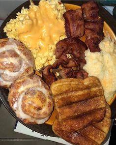Best Breakfast, Breakfast Recipes, Breakfast Plate, Dinner Recipes, Sleepover Food, Junk Food Snacks, Food Goals, Aesthetic Food, Food Cravings