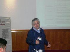 El ponente impartiendo el tema para los asistentes.
