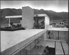 Eat Tarantula: The Kaufmann House by Richard Neutra in 1946