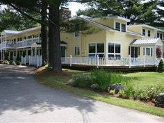 Stowe (VT) The Arbor Inn Bed And Breakfast United States, North America Stop at The Arbor Inn Bed And Breakfast to discover the wonders of Stowe (VT). The hotel has everything you need for a comfortable stay. Service-minded staff will welcome and guide you at the The Arbor Inn Bed And Breakfast. Each guestroom is elegantly furnished and equipped with handy amenities. The hotel offers various recreational opportunities. The Arbor Inn Bed And Breakfast combines warm hospitality ...
