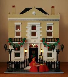 Good idea for Christmas decorations  Christmas House: A LEGO® creation by Mandy Dee : MOCpages.com